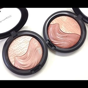 *NEW* 2 MAC Extra Dimension Highligher Duo